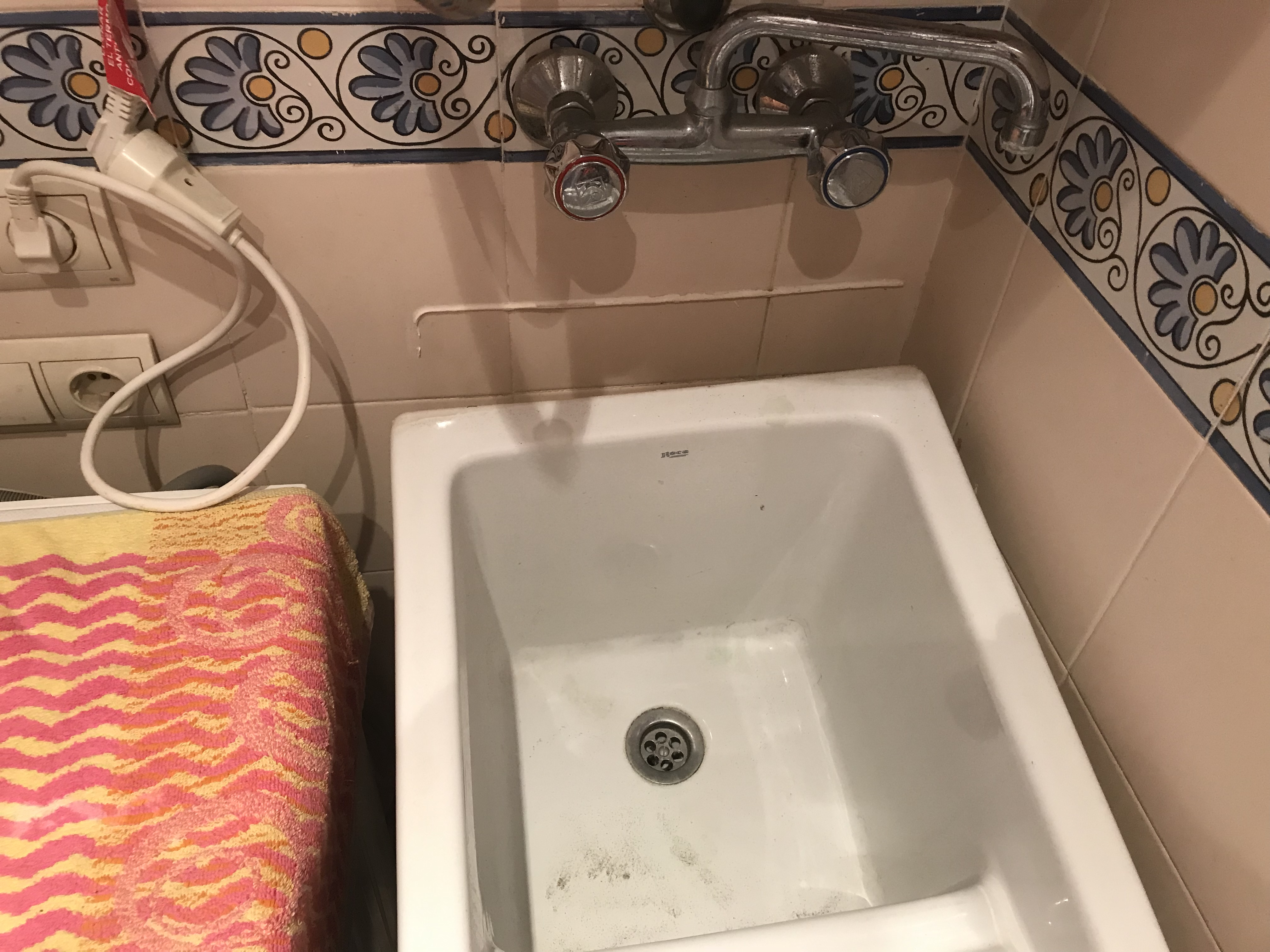 I need  Belfast sink to be refitted in apartment in Elviria