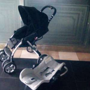 For sale: CASUALPLAY TRAVEL SYSTEM.. 2 Piece Stroller and Car Seat