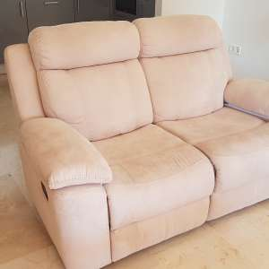 For sale: Recliner sofa, coffee table and 2 bar stools - €150